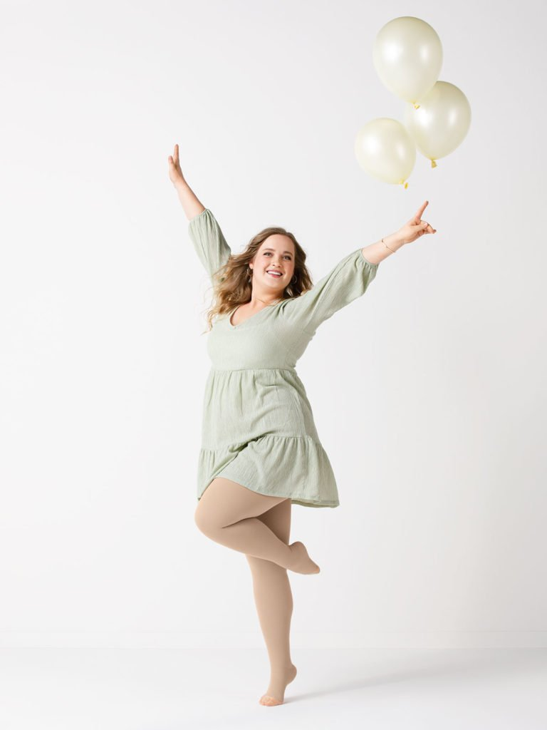 Bloggerin Maren mit Luftballons